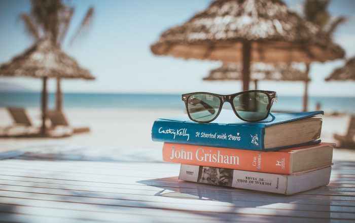 Vacation_books_1920px